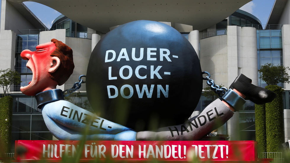 Facebook censors German anti-lockdown movement under new rules to prevent real users from organizing & amplifying 'harmful' ideas
